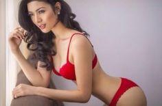 Model Seksi Asal Jakarta Ella Khomsah