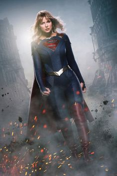 The CW reveals the first official image of Kara's new costume in Supergirl season 5 and announces Julie Gonzalo and Staz Nair as new cast members. Supergirl Season, Supergirl 2015, Supergirl And Flash, Watch Supergirl, Supergirl Series, Supergirl Superman, Superman Art, Superman Family, The Cw