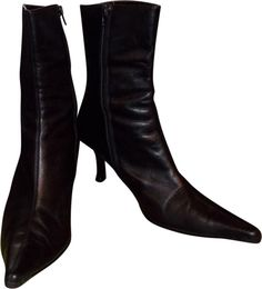 Get the must-have boots of this season! These ALDO Leather Boots/Booties Size US Regular (M, B) are a top 10 member favorite on Tradesy. Save on yours before they're sold out! Heeled Boots, Bootie Boots, Aldo Boots, Leather Boots, Luxury Fashion, Toe, Booty, Authenticity, Heels