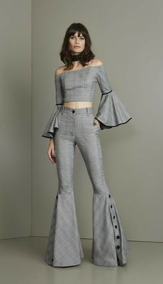 in this image we can see the modern day pant suit. with these crazy sleeves that make the whole piece in my opinion. we also see them towards the bottom of the pants as it flares out again. Jacob L Haute Couture Style, Couture Mode, Couture Fashion, Designer Wear, Designer Dresses, Fashion Pants, Fashion Dresses, Fashion Details, Fashion Design