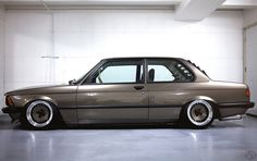 more of nic foster's e21 320i.  check out his build thread, it's inspiring.  http://www.stanceworks.com/forums/showthread.php?t=41