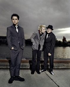 I wish other pinners would give more info. This is a repin. Green Day.. Billie Joe, Mike Dirnt, Tré Cool :)
