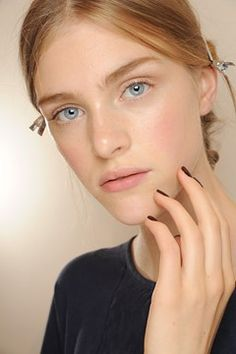 Couture Beauty: Autumn/Winter 2013-14 Hair & Make-Up (Vogue.com UK)