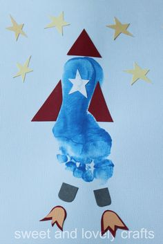 I loved Lisa Klein's footprint rocket  design so much that I couldn't help but try it with my kids. I love her creativity. It certainly ha...