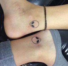 50 Flash Tattoos for Women- The # foreigner drawn on every foot . - 50 Flash Tattoos for Women- Das A head tattoo drawn on each foot can either be used to - Mini Tattoos, Flash Tattoos, Little Tattoos, Trendy Tattoos, Tatoos, Weird Tattoos, Ankle Tattoos, Arrow Tattoos, Small Best Friend Tattoos