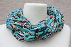 #Loop #Wickelschal #Textilgarn #grün #bunt #Loopmania Hier ein Exemplar aus der Kollektion Loopmania aus der Gruppe der Wickelschals. Diese werden aus dickerem Garn mit einer speziellen Technik...