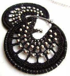 Tutoriales Bricolage, manualidades e ideas Thread Jewellery, Fabric Jewelry, Beaded Jewelry, Unique Jewelry, Diy Earrings, Crochet Earrings, Wire Crochet, Designer Earrings, Wedding Jewelry