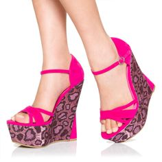 I don't usually like wedges that much but these are cute!