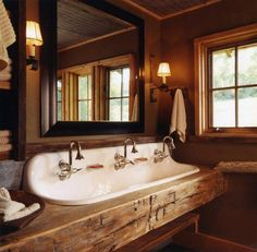 Wooden walls, beams, and counters oh my. A rustic bathroom is charming and beautiful. Get inspired to by these stunning rustic bathrooms. Rustic Bathroom Sinks, Lake House Bathroom, Barn Bathroom, Cabin Bathrooms, Rustic Bathroom Designs, Modern Farmhouse Bathroom, Simple Bathroom, Master Bathroom, Bathroom Ideas