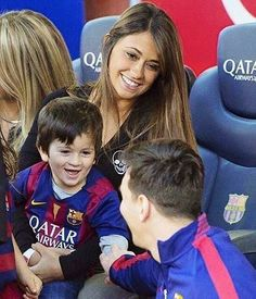 eo Messi Did you know: Lionel Messi has the most goals scored in the FIFA Club World Cup. Messi And Wife, Messi Soccer, Messi 10, Camp Nou, Lionel Messi Family, Cr7 Junior, Antonella Roccuzzo, Argentina National Team, Look Alike