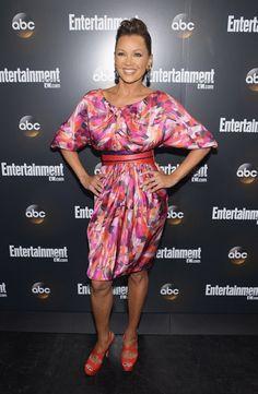 great dress, wish i knew which designer Vanessa Williams is wearing