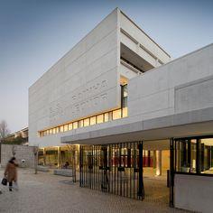 Galería de Escuela Secundaria Rainha Dona Leonor / Atelier dos Remédios - 1