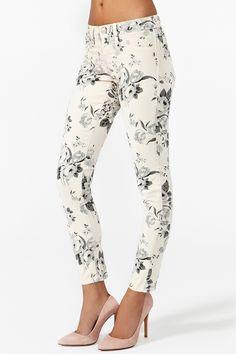 Desert Rose Skinny Jeans via @Becky Carver GAL