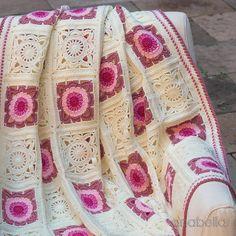 Transcendent Crochet a Solid Granny Square Ideas. Inconceivable Crochet a Solid Granny Square Ideas. Crochet Afghans, Crochet Quilt, Crochet Blocks, Crochet Squares, Crochet Motif, Crochet Lace, Crochet Granny, Baby Afghans, Crochet Blankets