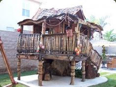 Custom Tree Houses - Custom: Owen's Bait Shop - A wonderful ole shack built from this and that.
