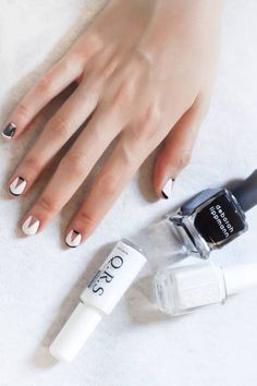 Nail art for summer: Black white and nude geometric date night nails