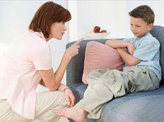 За что нельзя ругать ребенка Родители должны понимать, что дети очень часто делают не совсем правильные вещи случайно. Порой родители начинают буквально кричать на ребенка, если тот споткнулся, упал и вымазал чистый костюм. У некоторых взрослых есть стремление наказать ребенка за нарушение правил, которые сам-то человек не соблюдал никогда, да и сегодня частенько о них забывает. Многие родители придерживаются в воспитании детей метода кнута и пряника. Некоторые не прочь при необходимости…