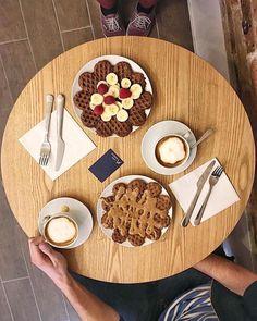 "52 mentions J'aime, 6 commentaires - Olga Seraya (@olga_seraya) sur Instagram: ""Good morning! 👌🏻 #topparisresto"""