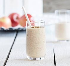 Apple Pie Smoothie | Vitamix. Tangy, frothy, and sweet! Caramel sauce would be a great alternative for the brown sugar. ;)