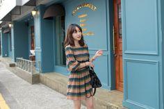 teal, olive, multicolor print dress (47,000원)