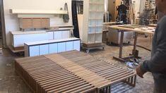 Yin Yang pull-out bed - Diy Möbel Diy Sofa, Diy Furniture Couch, Diy Furniture Plans, Pallet Furniture, Furniture Design, Yin Yang, Diy Furniture Videos, Sofa Bed Design, Diy Bed