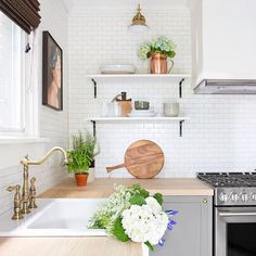 3 All Time Best Unique Ideas: Kitchen Remodel Checklist Tips farmhouse kitchen remodel bathroom makeovers.Small Kitchen Remodel Rustic doublewide mobile home kitchen remodel.Kitchen Remodel Countertops How To Paint. Kitchen Countertop Materials, Kitchen Countertops, Kitchen Cabinets, Wooden Benchtop Kitchen, Kitchen Island, Tile Counters, Wooden Counter, Gray Cabinets, Kitchen Wood