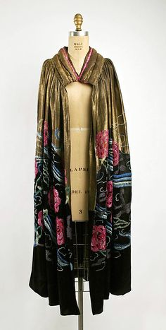 Evening Cape 1920, French, Made of silk