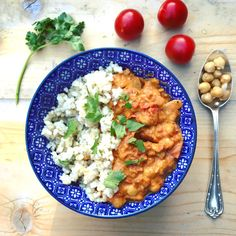 Asian Recipes, New Recipes, Healthy Recipes, Ethnic Recipes, Curry Pasta, Vindaloo, Food Inspiration, Good Food, Food And Drink