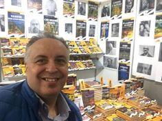 Sabato 17 giugno alle 16.30 vi aspetto a Rapallo (Genova) all'Hotel Italia per parlarvi, insieme all'autore, di un libro molto particolare. (Cliccate QUI) per saperne di più. Il venditore di Bibite (Frilli editore) Cosa unisce Ventimiglia, Gioia Tauro e Rapallo? Per scoprirlo bisogna leggere il «Venditore di bibite», l'ultimo libro di Achille Maccapani, ex segretario comunale di Rapallo.