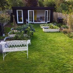 It's been a glorious day here today, pottering in the garden, and a spot of crochet too! Glorious Days, Rooms, Photo And Video, Crochet, Garden, Instagram, Bedrooms, Garten, Crochet Crop Top