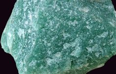 Aventurine is a form of quartz, characterized by its translucency & the presence of platy mineral (mica) inclusions that give a shimmering or glistening effect termed aventurescence. Minerals And Gemstones, Crystals Minerals, Rocks And Minerals, Stones And Crystals, Natural Gemstones, Gem Stones, Rock Collection, Mineral Stone, Rocks And Gems