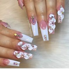 145 Beautiful Marble Nails to Copy Right Now Glam Nails, Dope Nails, Fancy Nails, Bling Nails, Bling Nail Art, 3d Nail Art, Beauty Nails, 3d Flower Nails, Long Nail Designs