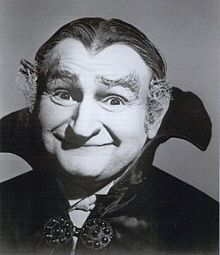 Al Lewis didn't mind being typecast as the genial vampire Grandpa from The Munsters. Many actors dread being typecast. The idea of one successful role leading to a career full… The Munsters, Munsters Tv Show, Munsters Theme, Space Ghost, Old Tv Shows, Movies And Tv Shows, Frankenstein, La Familia Munster, Famous Monsters