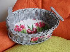Oválný košík s tulipány