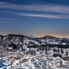Instagram【kazuonakadai】さんの写真をピンしています。 《In the deep mountain at night @ Niigata Japan(新潟県) This picture shows the Hoshi-Toge terraced rice field located in Niigata Prefecture which is one of the heaviest snow fall areas in Japan. It is 4 hours west from Tokyo by car. The terraced type rice field is kind of typical one in Japan for the purpose of maximizing the amount of harvested crop in the small and rugged land. And Hoshi toge is one of the the most famous ones amongst them because of its…