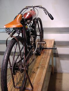 1908 RACER INDIAN # 8