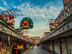 Asakusa Nakamise, New Year Decorations 8/14... a shishi Chinese lion which usually dances to welcome the New Year... #Asakusa, #Nakamise December 10, 2015 © Grigoris A. Miliaresis