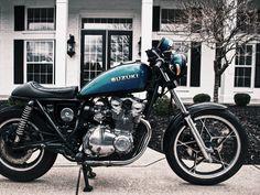 Perfect Wallpaper, Cool Wallpaper, Suzuki Bikes, Hd Motorcycles, Motorcycle Wallpaper, Latest Wallpapers, 4k Hd, Sport Bikes, Side View