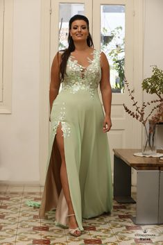 Plus size gowns formal. Plus Size Gowns Formal, Plus Size Evening Gown, Plus Size Prom, Plus Size Wedding, Plus Size Dresses, Evening Gowns, Plus Size Outfits, Curvy Plus Size, Plus Size Model
