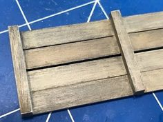Painting realistic wood and metal using Vallejo paint and weathering sup...