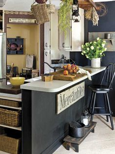How to decorate your country home with black furniture, wall decor and more from CountrySampler.com!