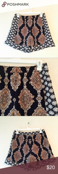 H&M Concious Collection boho bohemian shorts 6 Stunning H&M Concious Collection shorts. Smooth material with bohemian mandala print. This is such a cool pattern and just looks amazing on! Side pockets and elastic waist. Pair it with a white t-shirt for an effortless look. Excellent used condition. Size 6. H&M Shorts