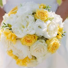 Bright Bridal Bouquet, would be gorgeous for a beach wedding or even a wedding in the park!