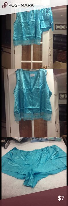 4X Sequins Accent Short PJ set NWT 4X Sequins Accent Short Pajama Set new with tags Avon Intimates & Sleepwear Pajamas