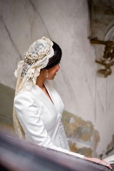 """""""I don't like to give the Spanish much but they absolutely snapped with the Mantilla. I would absolutely wear one. Wedding Hairstyles With Veil, Short Wedding Hair, Wedding Veil, Boho Wedding Dress, Bridal Dresses, Wedding Goals, Dream Wedding, Wedding Designs, Wedding Styles"""