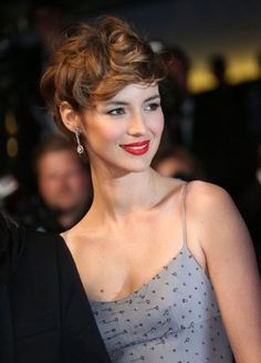 Haircut Garson - a bright note in the manifestation of style and feminine individuality - short hair hairstyles - Frisuren Hair Short Curly Haircuts, Curly Hair Cuts, Short Wavy, Pixie Hairstyles, Pretty Hairstyles, Short Hair Cuts, Curly Hair Styles, Pixie Wavy Hair, Haircut Short