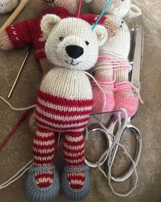 It seems like I work at a snail's pace lately. A little bit of progress on this little Christmas polar bear girl. ❄️❤
