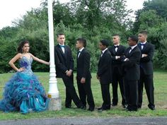 Love this pic of the Quinceanera standing on one side while her main chambelan… Quinceanera Court, Quinceanera Themes, Quinceanera Dresses, Prom Dresses, Pic Pose, Photo Poses, Love Pictures, Great Photos, Chambelanes