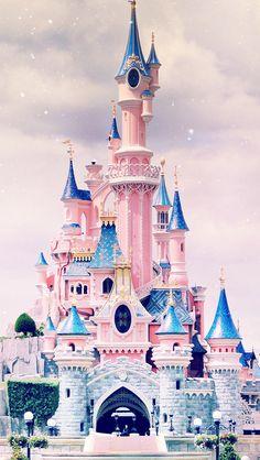 Iphone Wallpaper - Disney castle iPhone wallpaper - Iphone and Android Walpaper Disney Dream, Cute Disney, Disney Mickey, Disney Parks, Cute Wallpapers, Wallpaper Backgrounds, Iphone Wallpapers, Iphone Pics, Trendy Wallpaper