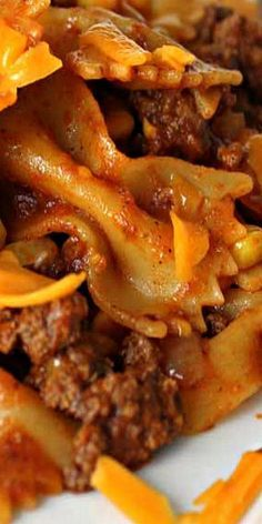 Easy Weeknight Beef Taco Pasta -  Can easily make this healthier - substitute: ground lean turkey/ fresh healthy salsa/ quinoa pasta / and salt free tomato paste